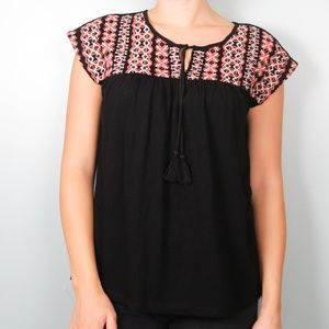 Tops - NWT Black Embroidered Blouse